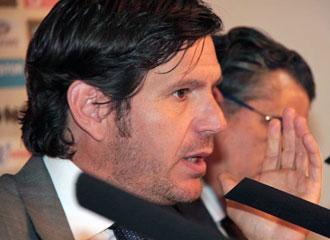 Mateo Alemany convoc� una rueda de prensa para acalarar la situaci�n.