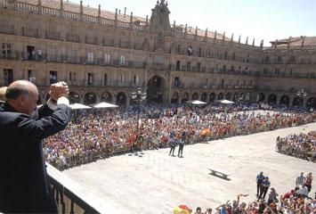 Del Bosque en la Plaza Mayor de Salamanca