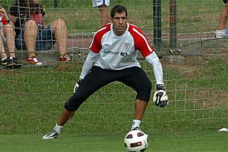 Gorka Iraizoz, durante un entrenamiento con el Athletic