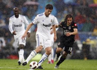 Guardadoy Xabi Alonso, en un Real Madrid-Deportivo