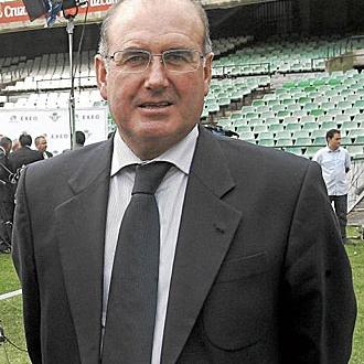 Manuel Casta�o.