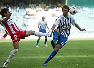 Adri�n en un lance del partido frente al Almer�a.
