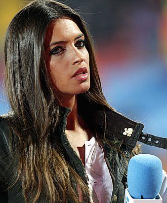 Sara Carbonero, en su transmisi�n con Telecinco en el Mundial