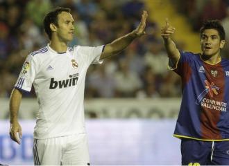 Xisco, al lado de Carvalho