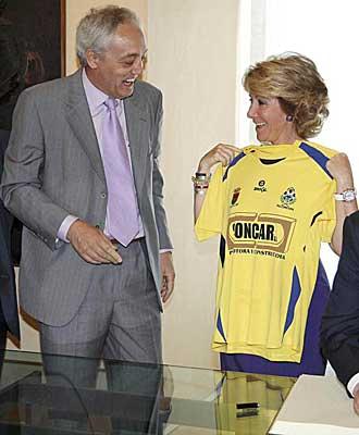 Julian Villena con Esperanza Aguirre.