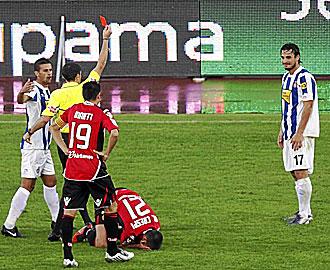 Imagen del momento en que Osvaldo era expulsado.