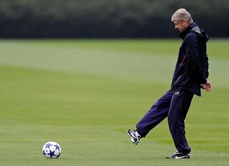 Arsene Wenger, durante un entrenamiento del Arsenal.