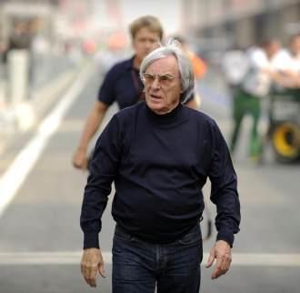 Bernie Ecclestone, inspeccionando el trazado de Yeongam