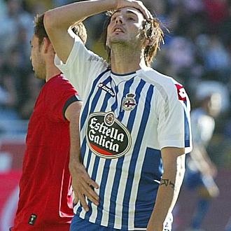 Colotto se lamenta de una ocasi�n perdida en el partido contra el Osasuna.