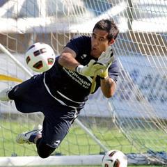 Claudio Bravo durante un entrenamiento.