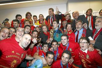 La Roja celebra el Mundial con la familia real, entre otros