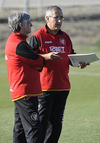 Gregorio Manzano, en un entranamiento en la Ciudad Deportiva del Sevilla.