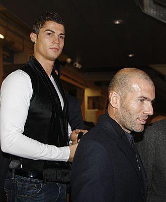Cristiano Ronaldo y Zidane, en un acto promocionado por el Real Madrid