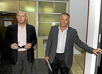 Juan Manuel G�mez Porr�a, en la imagen junto a Rafael Gordillo, era uno de los tres administradores judiciales del Betis