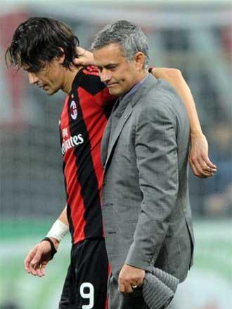 Mourinho felicit� a Inzaghi al t�rmino del partido