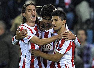 Costa celebra un gol junto a Filipe y Ag�ero.