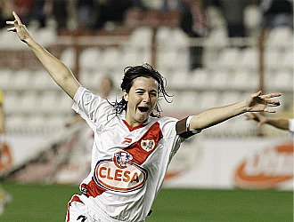 Sonia Berm�dez celebra el segundo gol del Rayo