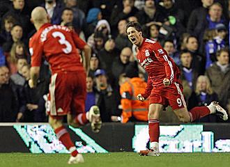 Torres celebra el primer tanto del partido.