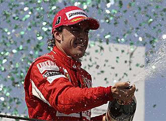 Alonso, celebrando su tercer puesto en Brasil