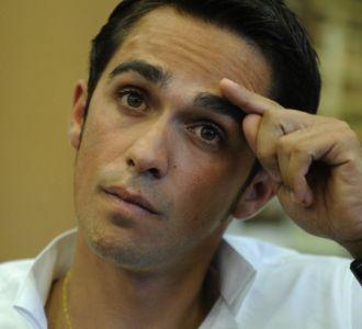 Alberto Contador en la rueda de prensa que ofreci� en Pinto para exlpicar su inocencia.