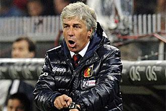 Gasperini durante un partido con el Genoa
