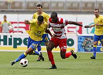 Nyom, en un partido con el Granada contra Las Palmas