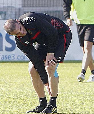Pandiani se duele de su tobillo izquierdo.