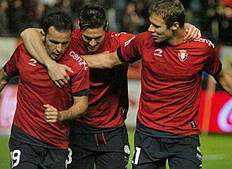 Jugadores de Osasuna celebran un gol en el Reyno.