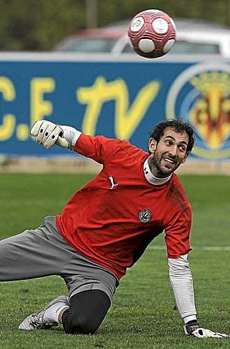 Diego L�pez durante un entrenamiento.