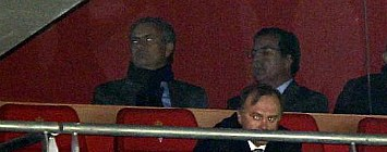 Mourinho, en el palco de El Molin�n
