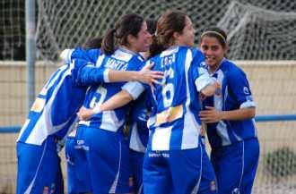 Las chicas del Espanyol celebrando un gol.