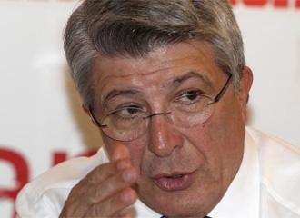 Enrique Cerezo.