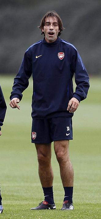 Robert Pires, durante una sesión de entrenamiento con el Arsenal esta temporada.