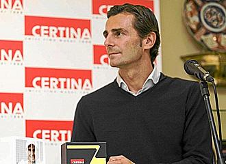 Pedro de la Rosa en la presentaci�n de una marca de relojes.