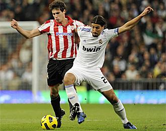 Khedira, con Javi Martínez en el partido contra el Athletic