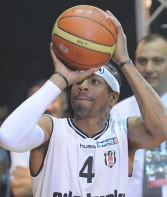 Iverson con el Besiktas