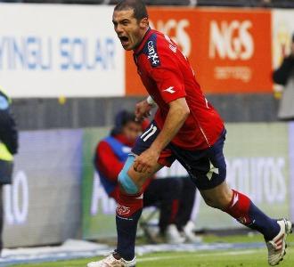 Pandiani celebra un gol de Osasuna