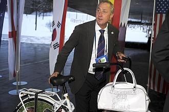 Johan Cruyff, a su llegada a la seda de la FIFA