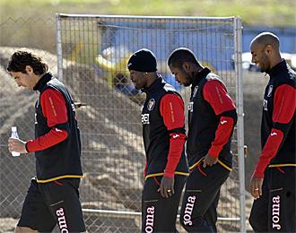 Escud�, Zokora, Romaric y Kanout�, en un entrenamiento del Sevilla