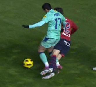 Una imagen del penalti de Pedro a Juanfran