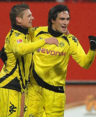 Hummels y Piszczek celebran el primer gol del Borussia