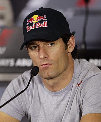 Mark Webber atiende una rueda de prensa