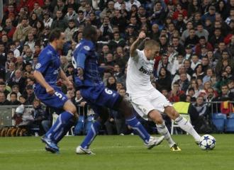 Karim hizo su segundo gol con la izquierda