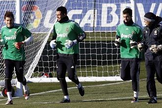 Algunos jugadores del Madrid durante la sesi�n de este mi�rcoles