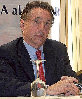Julio Meana, en una conferencia de prensa