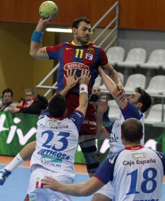 Daniel Sarmiento, en acci�n en pleno partido ante el Ademar