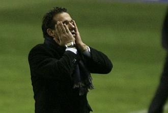Luis Garc�a se lamenta de una ocasi�n.