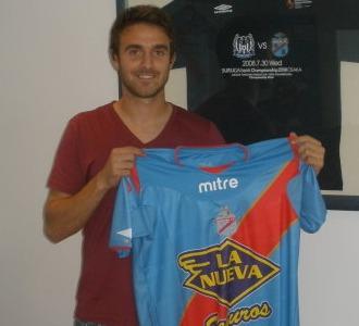 Caffa, con su nueva camiseta del Arsenal