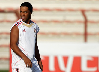 Ronaldinho, en un entrenamiento