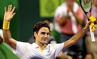 Federer celebra su triunfo en Doha ante Davydenko